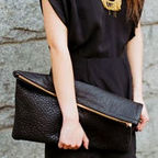 [18�����԰�]Oversized Clutch (Black Pebble)