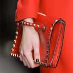 [F/W �Ż�ǰƯ��]Rockstud Flap Clutch Bag