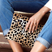 Flat Clutch In Natural Leopard