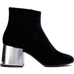 MM6 Maison Martin Margiela Velvet Ankle Boots W/ Blocking Heels 할인가 620,300원