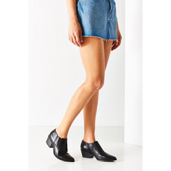 Urban Outfitters Vagabond Mandy Western Ankle Boot 할인가 209,200원