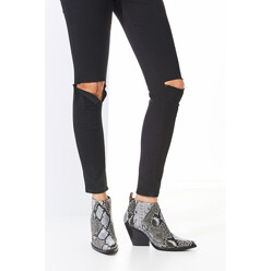 Urban Outfitters Jeffrey Campbell Vaquero Ankle Boot 할인가 289,000원