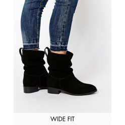 ASOS Anika Wide Fit Suede Pull On Ankle Boots 할인가 110,600원