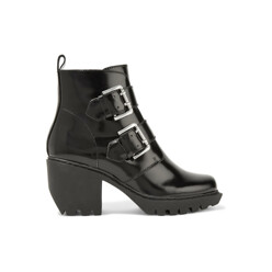 Opening Ceremony Glossed-Leather Ankle Boots 할인가 423,900원