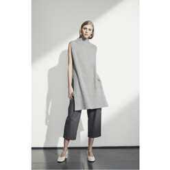 Pleat Front Cropped Trousers - Charcoal